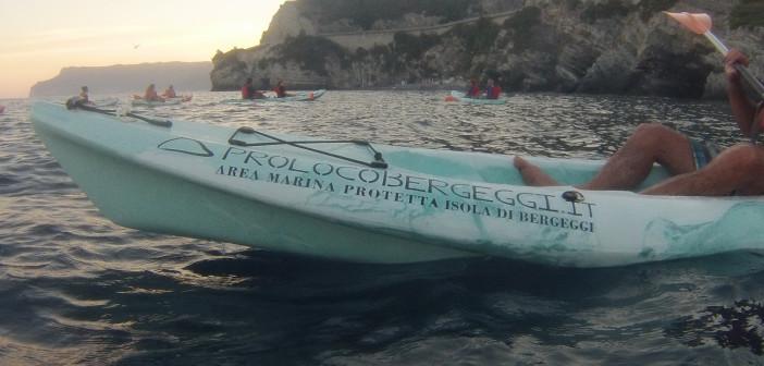 Escursioni guidate in canoa: colori e luci d'autunno nell'Area Marina Protetta Isola di Bergeggi